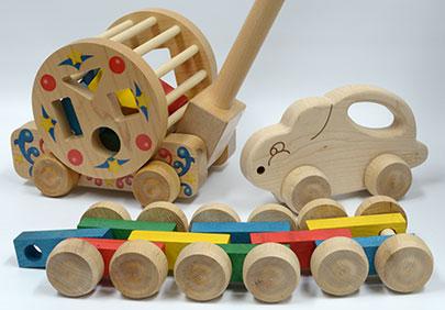 maple-landmark-push-and-pull-toys.jpg